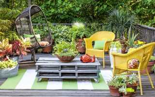 Как украсить садовый участок цветами