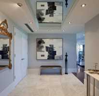 Зеркальный потолок в комнате