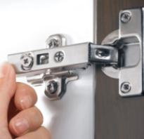 Регулировка петель на дверцах шкафа с доводчиком