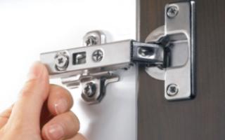 Как отрегулировать петли на дверцах кухонного шкафа