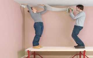 Как правильно клеить потолочные обои: инструменты, материалы, этапы
