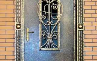 Двери с ковкой : входные и металлические на фото